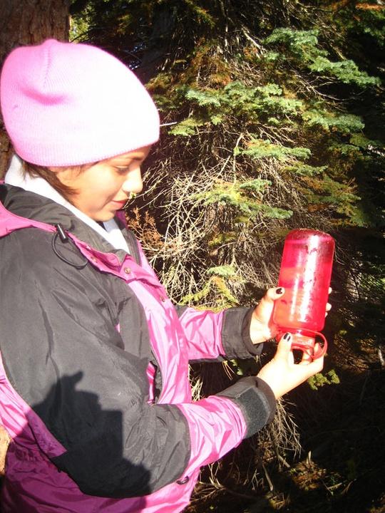Yahaira treating water