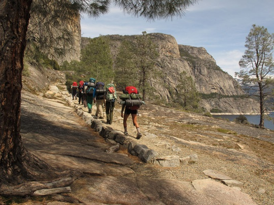 group hiking hetchy